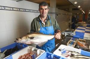 Halles de cornouaillepoissonnerie halles de cornouaille - Comment faire griller des sardines ...