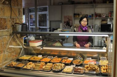 Mme Kho traiteur asiatique halles de quimper